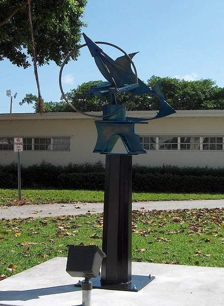 Sculpture Sculpture - Luna Tuna by Richard  Beau Lieu