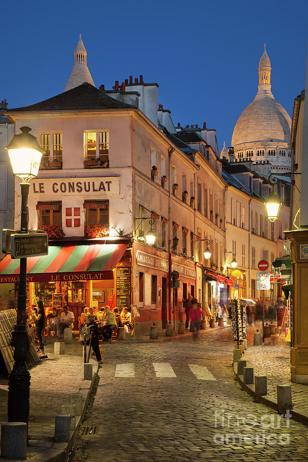 Basilica Photograph - Montmartre Twilight by Brian Jannsen