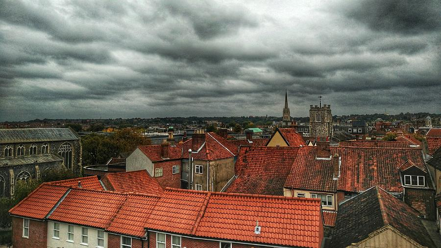 Clouds Photograph - Norwich by Pedro Fernandez
