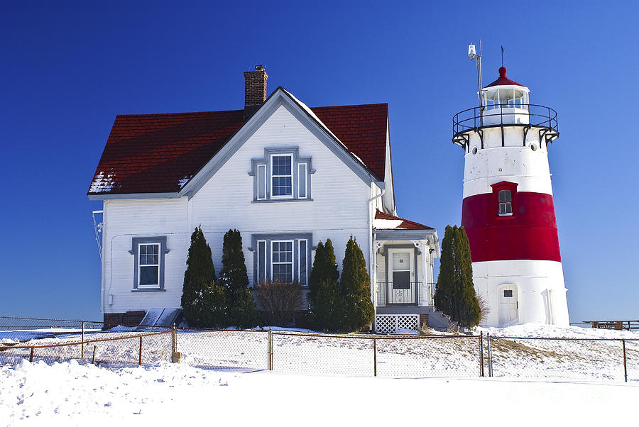 Stratford Point Light. Stratford, Connecticut. by New England Photography