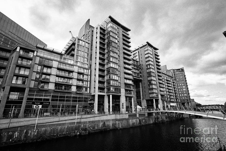 Manchester Photograph - The River Irwell Between Spinningfields And Salford Manchester England Uk by Joe Fox