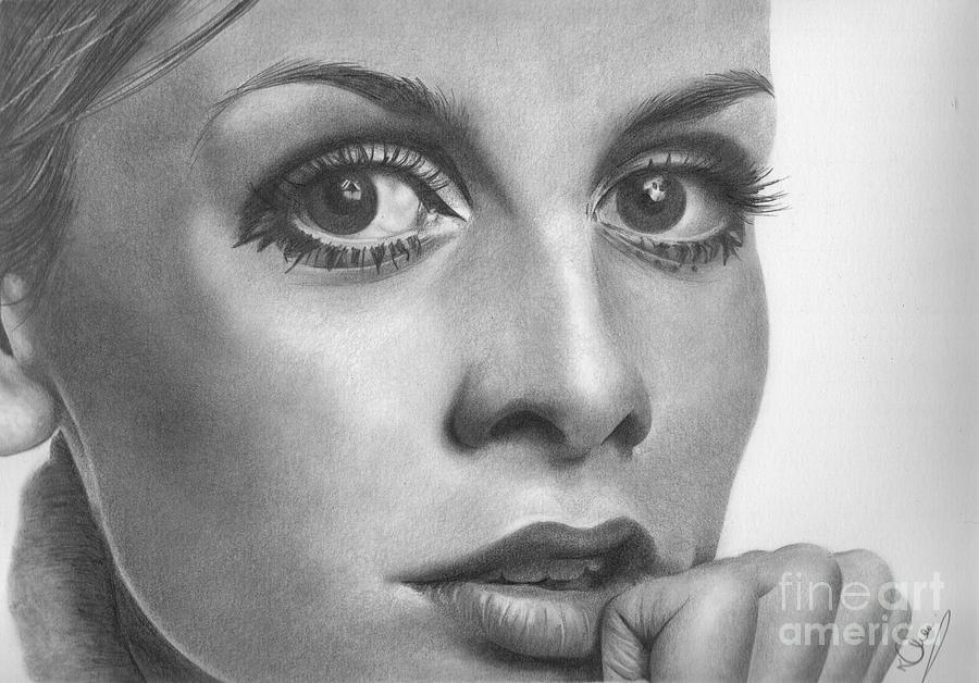 Twiggy Drawing - Twiggy by Karen  Townsend