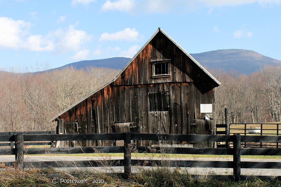 Barns Photograph - West Virginia Barn by Carolyn Postelwait