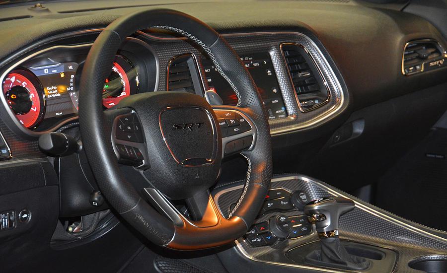 Dodge Challenger Interior >> 2015 Dodge Challenger Srt Hellcat Interior