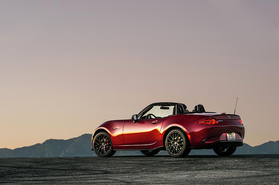 2016 Photograph - 2016 Mazda Mx-5 Miata by Drew Phillips