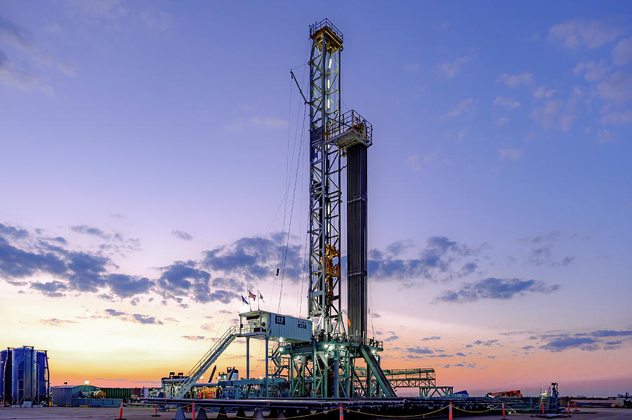 Oil And Gas Photograph - 2017_08_midkiff Tx_hp 607 Day Break by Brian Farmer