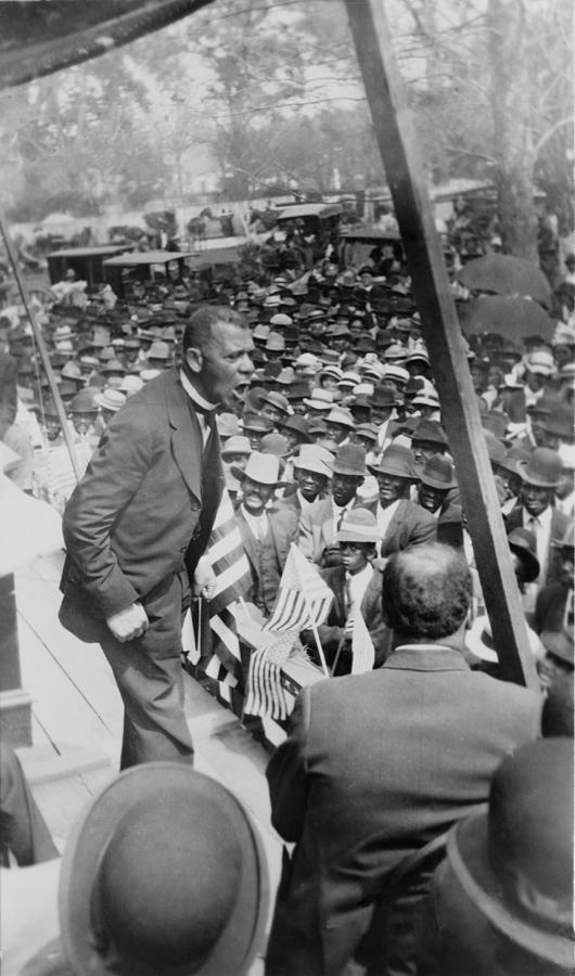 History Photograph - Booker T. Washington 1856-1915 by Everett