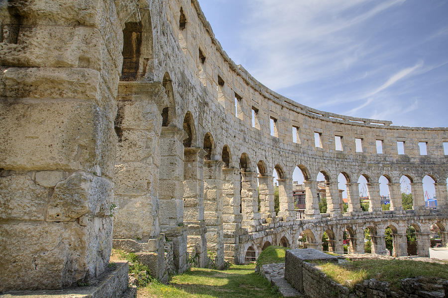 Colosseum Photograph - Colosseum In Pula by Ian Middleton