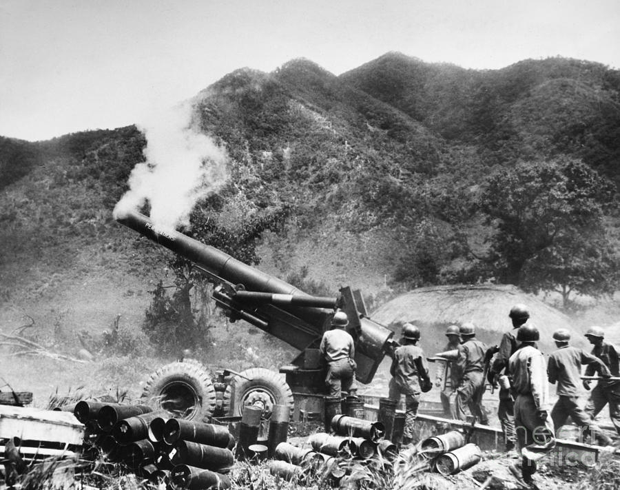 1951 Photograph - Korean War: Artillery by Granger