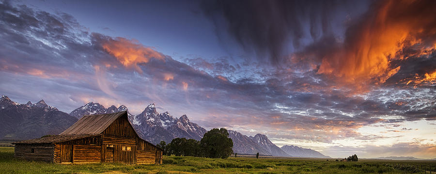 Mountain Barn in the Tetons by Andrew Soundarajan