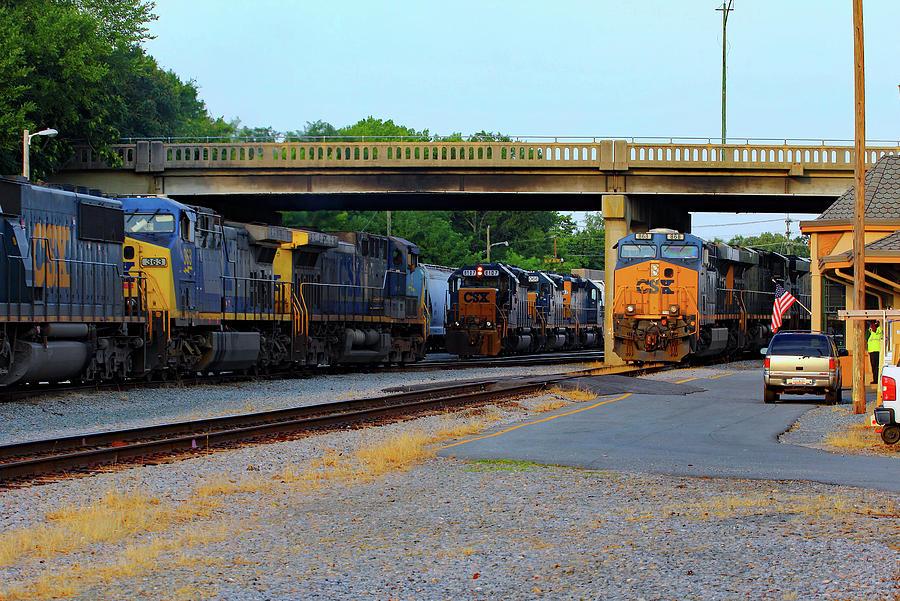 Csx Photograph - 3 Train Meet In Monroe by Joseph C Hinson Photography