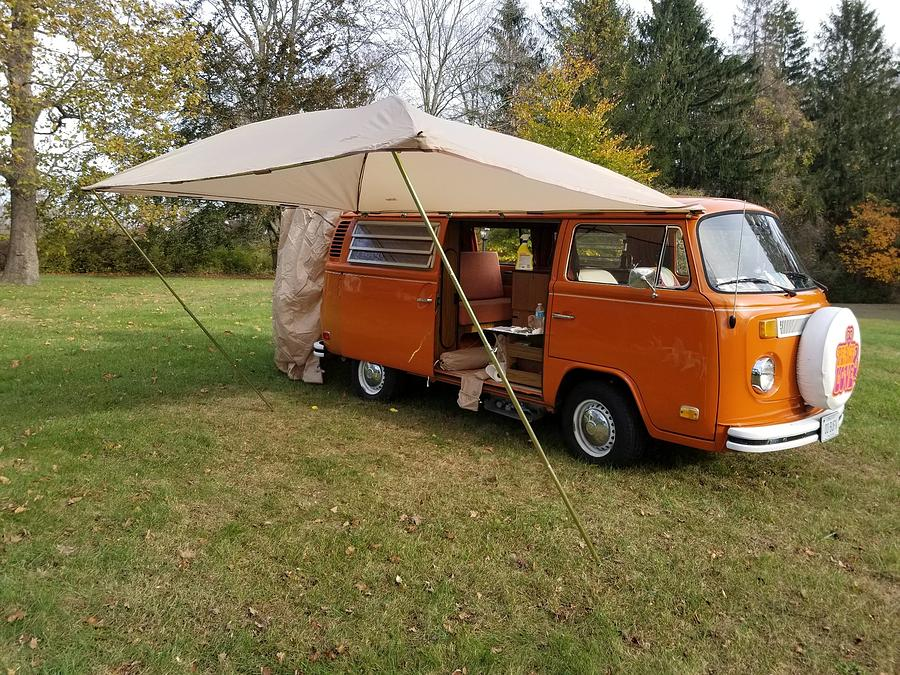 Camper Photograph - Volkswagen Bus T2 Westfalia by Jackie Russo