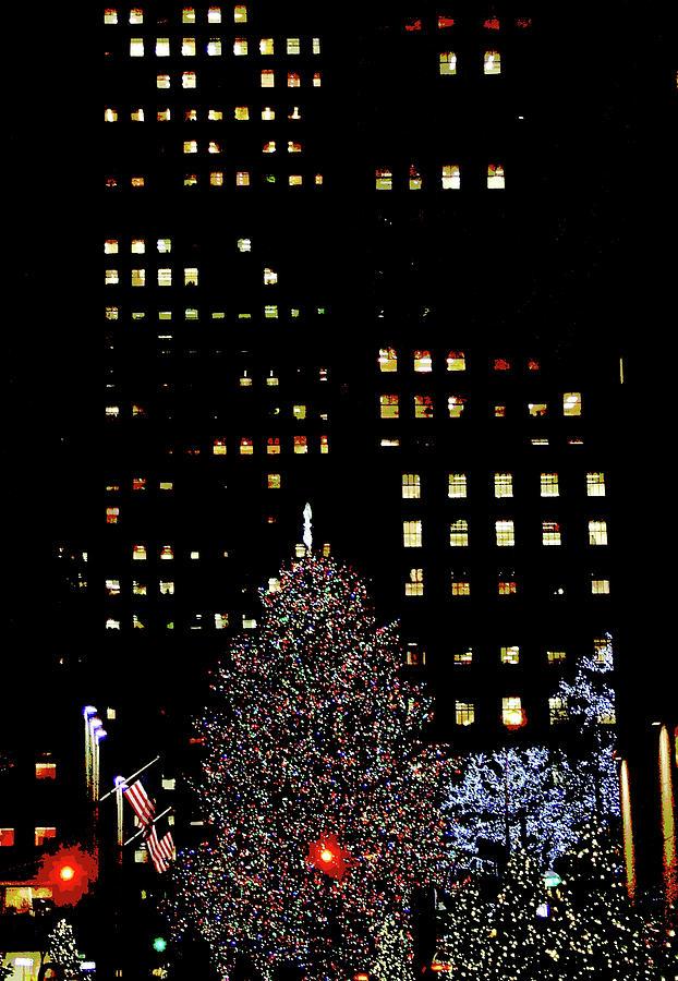 Rockefeller Center Digital Art - 30 Rock, Christmas Eve, 2011 by Mel Neuhaus