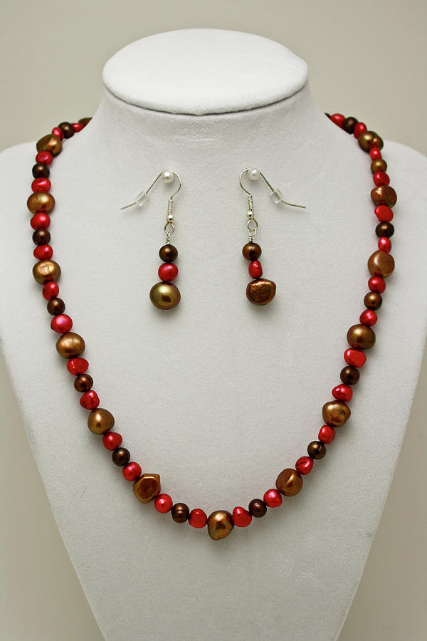 Handmade Jewelry - 3536 Freshwater Pearl Necklace And Earring Set by Teresa Mucha