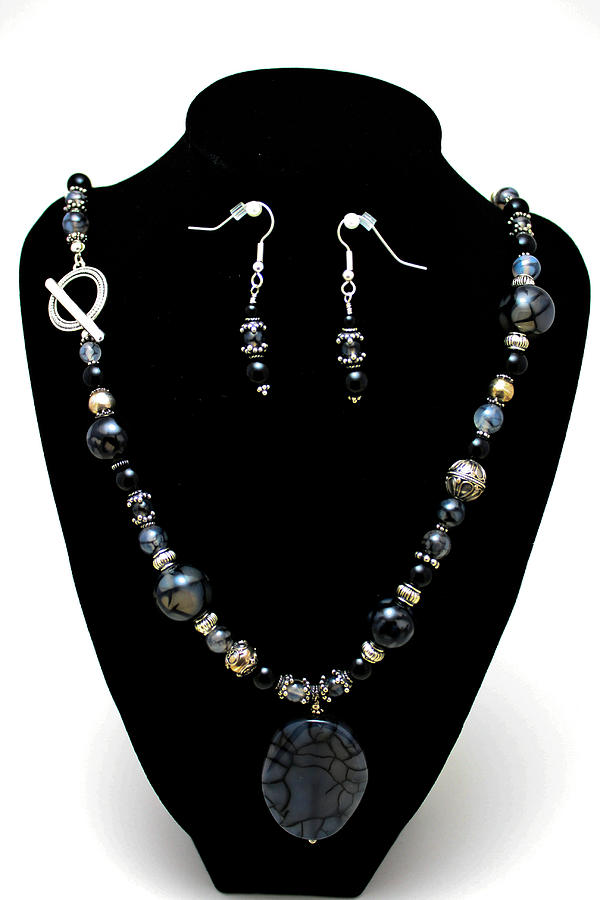 Handmade Jewelry - 3545 Black Cracked Agate Necklace And Earring Set by Teresa Mucha