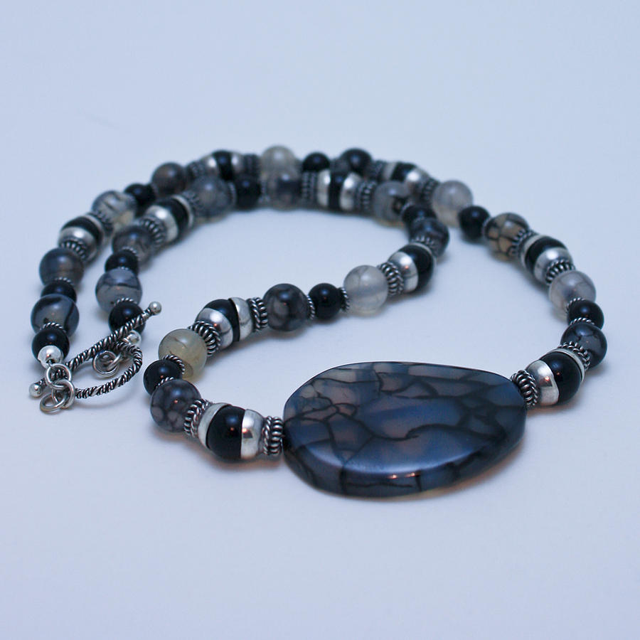 Handmade Jewelry - 3552 Cracked Agate Necklace by Teresa Mucha