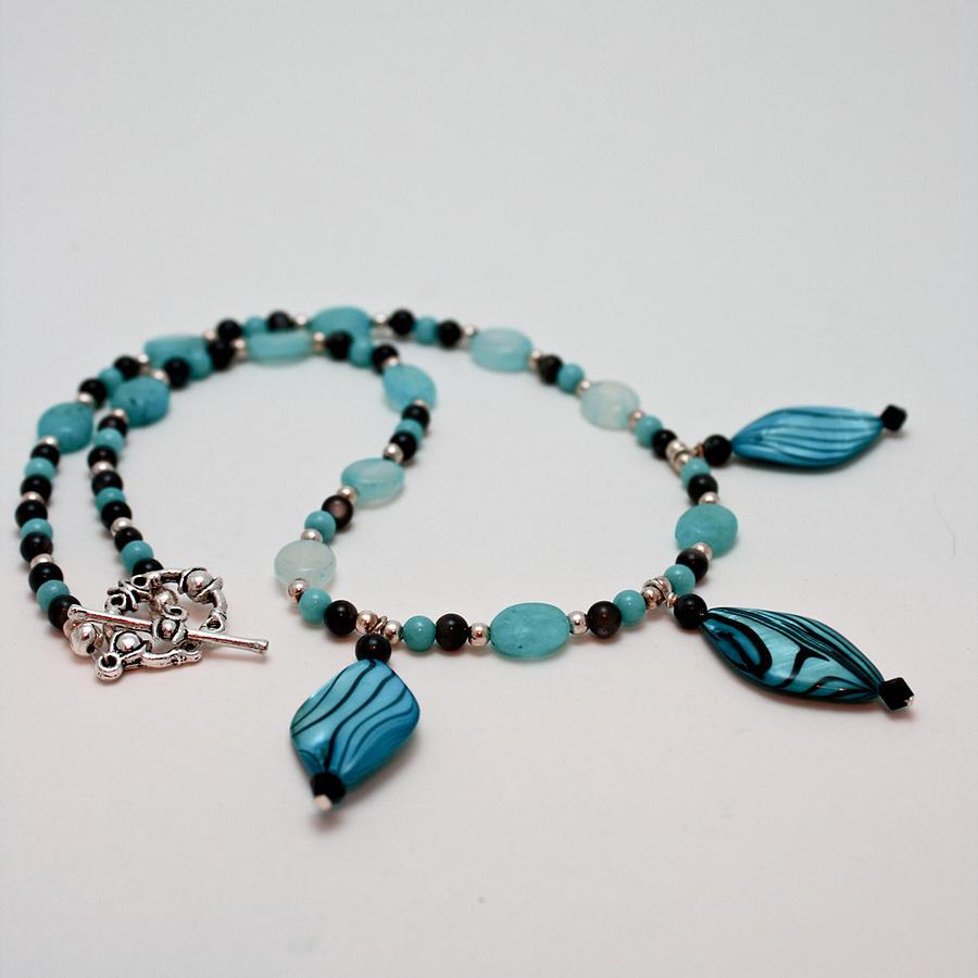 Handmade Jewelry - 3564 Shell And Semi Precious Stone Necklace by Teresa Mucha