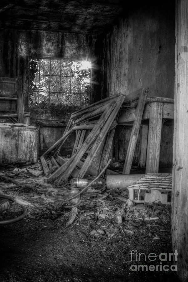 Abandoned Photograph - Abandoned House by Ulisse Bart