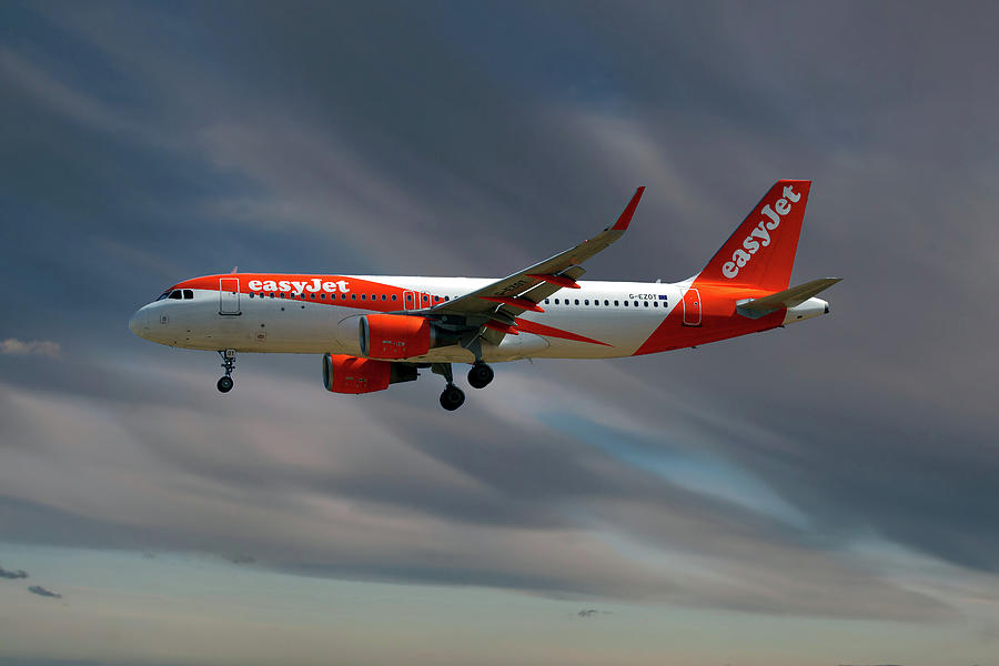Easyjet Photograph - Easyjet Airbus A320-214 4 by Smart Aviation