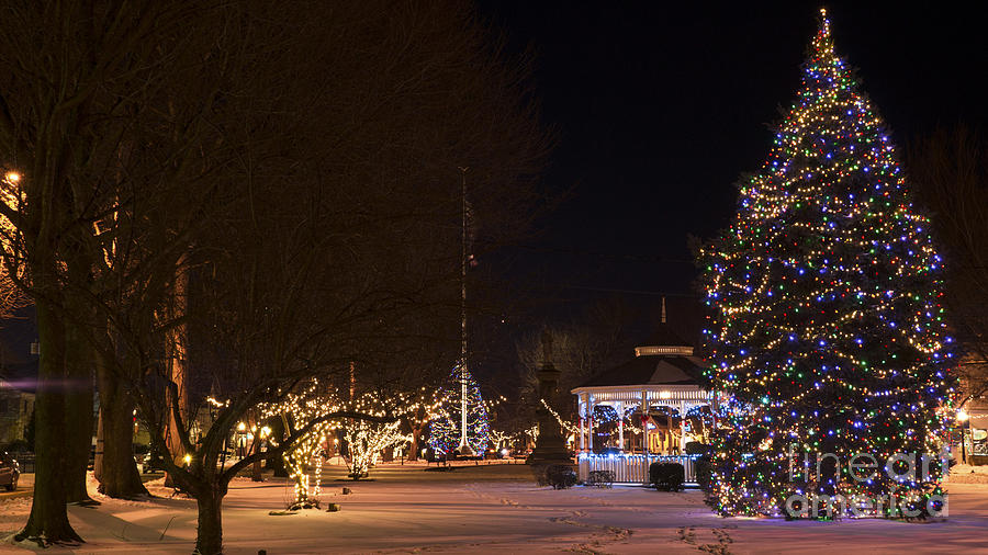 Holiday Season in Milford, Connecticut. by New England Photography