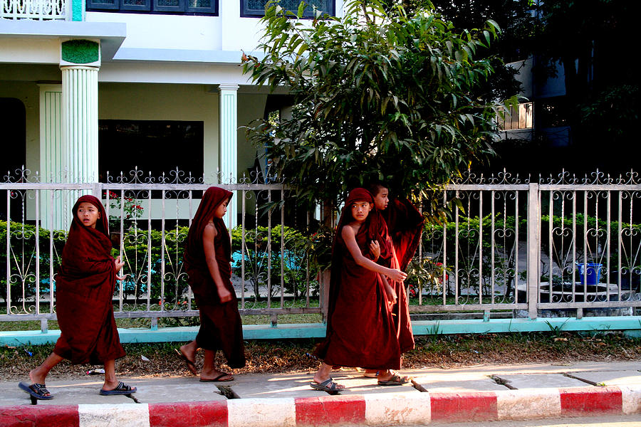 Burma Photograph - 4 Monks by David Wenman