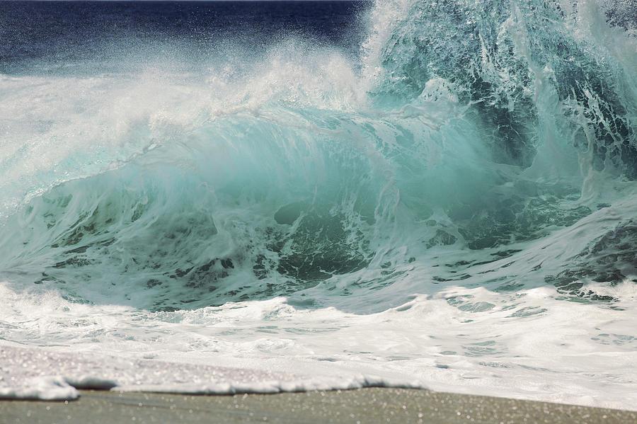 Artistic Photograph - North Shore Wave by Vince Cavataio - Printscapes