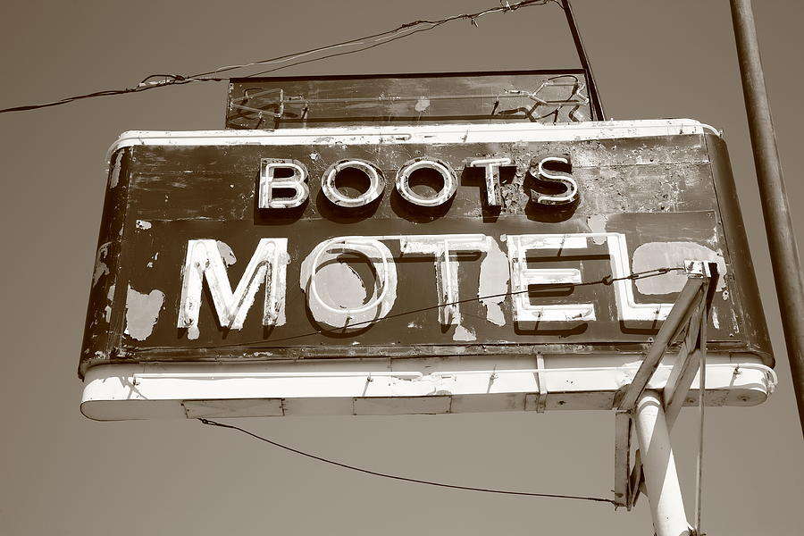 66 Photograph - Route 66 - Boots Motel by Frank Romeo