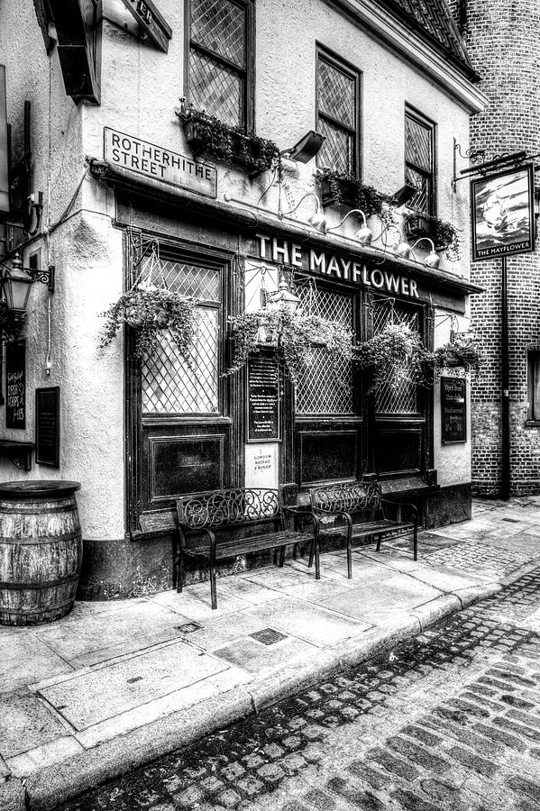 The Mayflower Pub Photograph - The Mayflower Pub London by David Pyatt