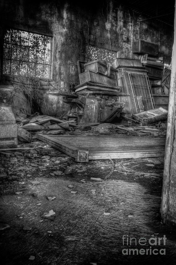 Abandoned Photograph - Abandoned House by Ulisse Bart