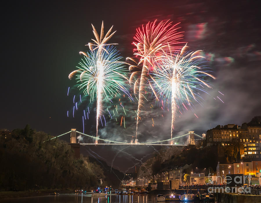 clifton suspension bridge fireworks new years eve
