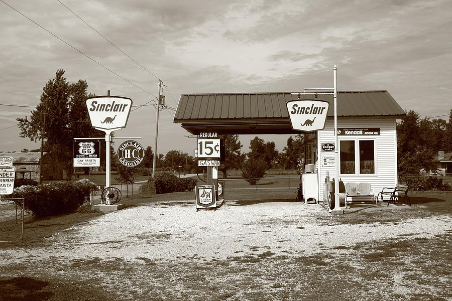66 Photograph - Route 66 Sinclair Station by Frank Romeo