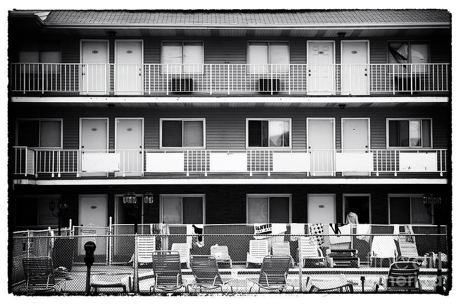 Motel Photograph - 5 Stars At Seaside by John Rizzuto