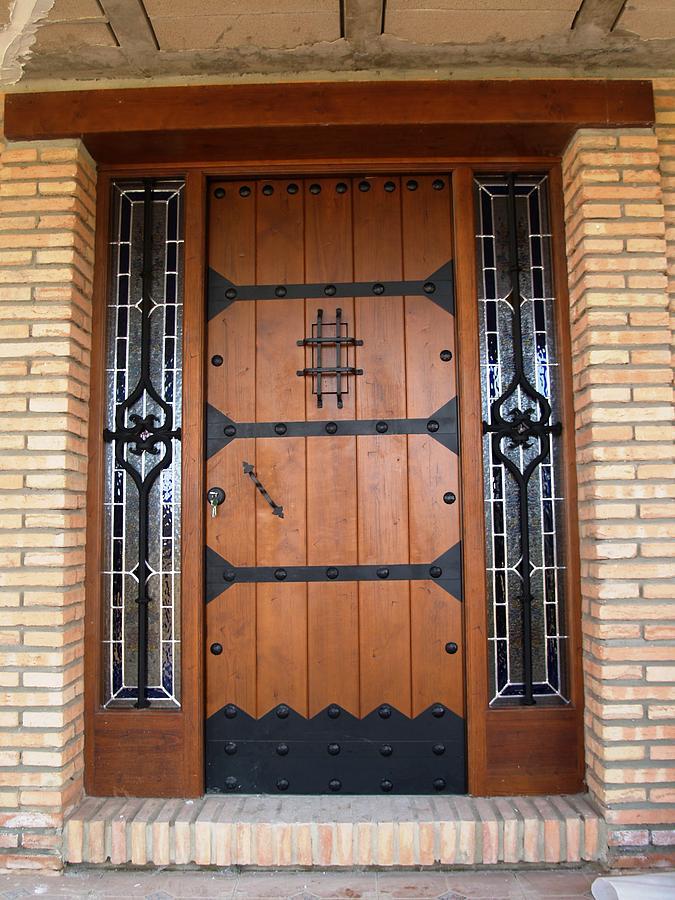 Puerta De Entrada 6 Glass Art by Justyna Pastuszka