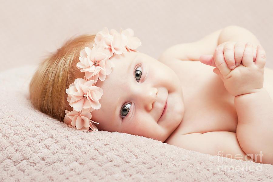 Portrait Photograph - Newborn Fine Portrait by Gualtiero Boffi