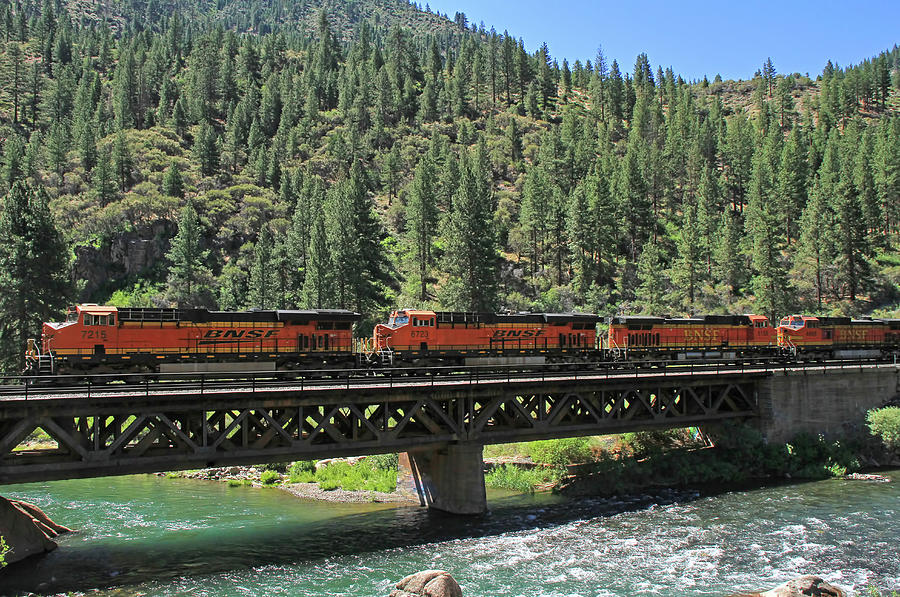 Bnsf Photograph - 7215 by Donna Kennedy
