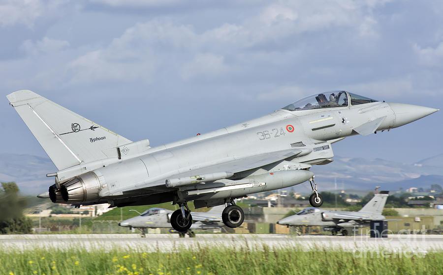 An Italian Air Force F-2000 Typhoon Photograph