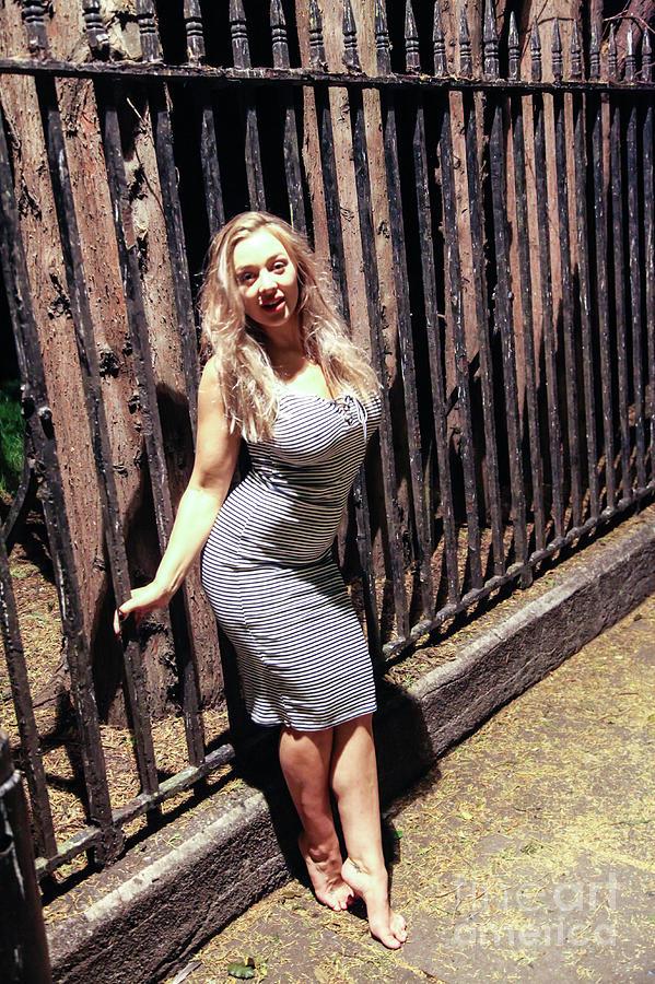 Beth Bennett Nude Photos 59