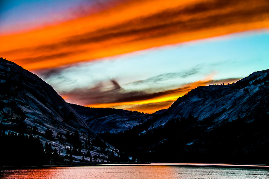 Acrylic Prints Photograph - A Beautiful Jet Stream At Sunrise by Brian Williamson