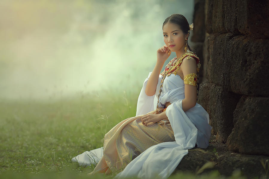 https://images.fineartamerica.com/images/artworkimages/mediumlarge/1/a-beautiful-woman-in-thai-dress-costume-at-stone-castlepublic-p-somchai-sanvongchaiya.jpg