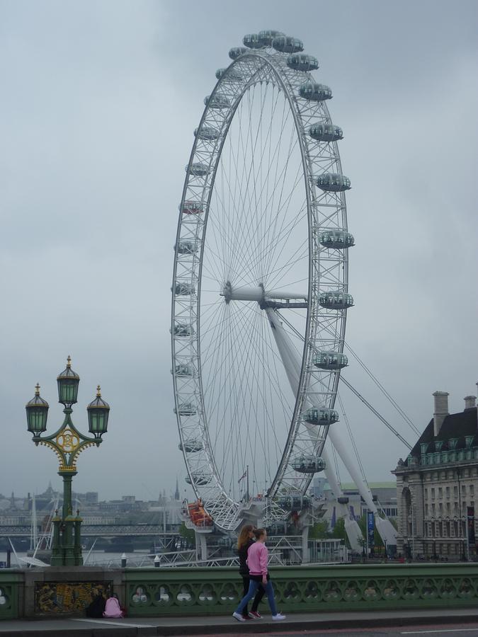 Day Photograph - A day in London by Tjokez Vun Borg
