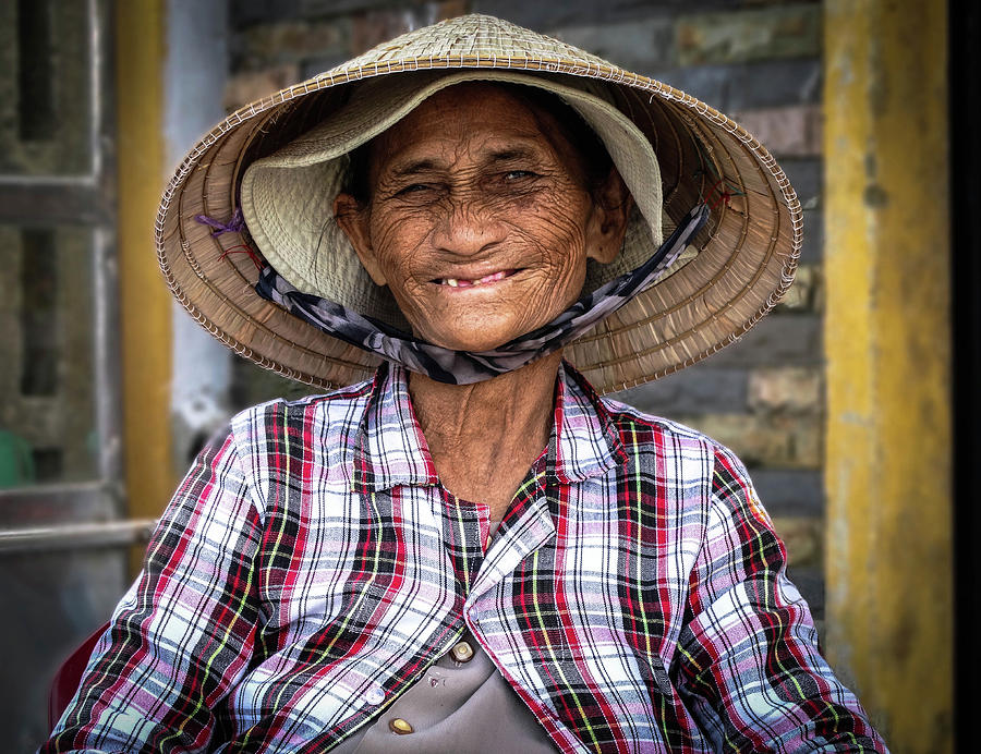 Portrait Photograph - A Memorable Smile by Paki OMeara