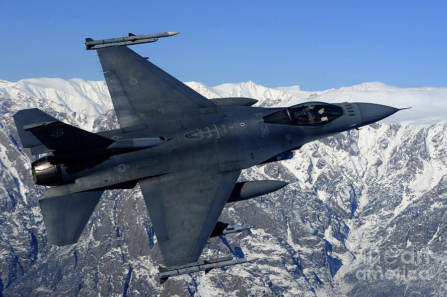 Afghanistan Photograph - A U.s. Air Force F-16 Fighting Falcon by Stocktrek Images