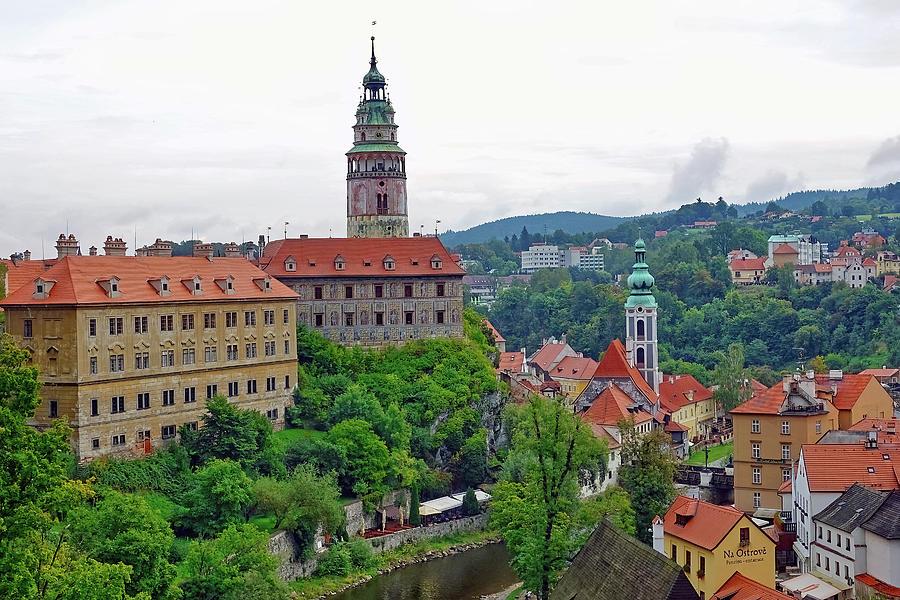 Cesky Krumlov Photograph - A View Of The Cesky Kromluv Castle Complex In The Czech Republic by Richard Rosenshein