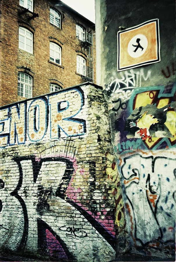 Wall Photograph - A wall of berlin with graffiti by Nacho Vega