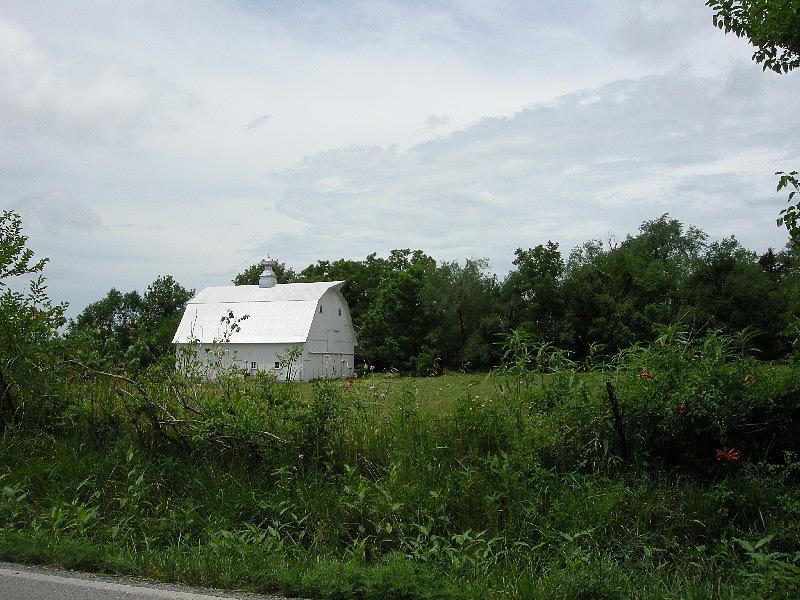 Landscape Photograph - A White Barn In Missouri by Ze DaLuz