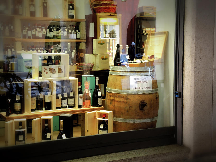 detailed look f0c8b 10506 A Wine Shop
