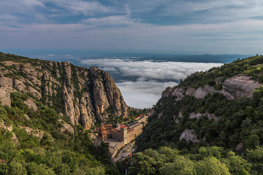 Abadia De Montserrat Photograph