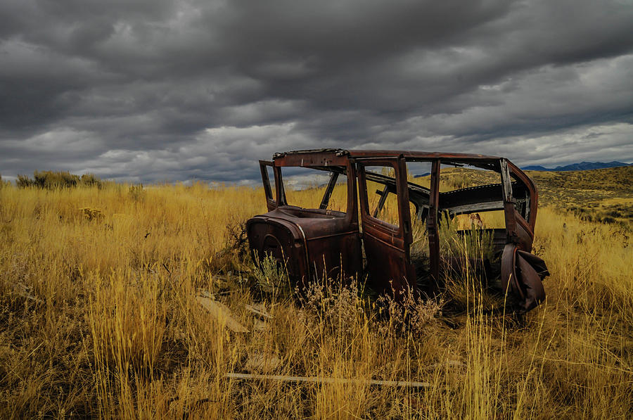 Abandoned Auto by Dave Rennie