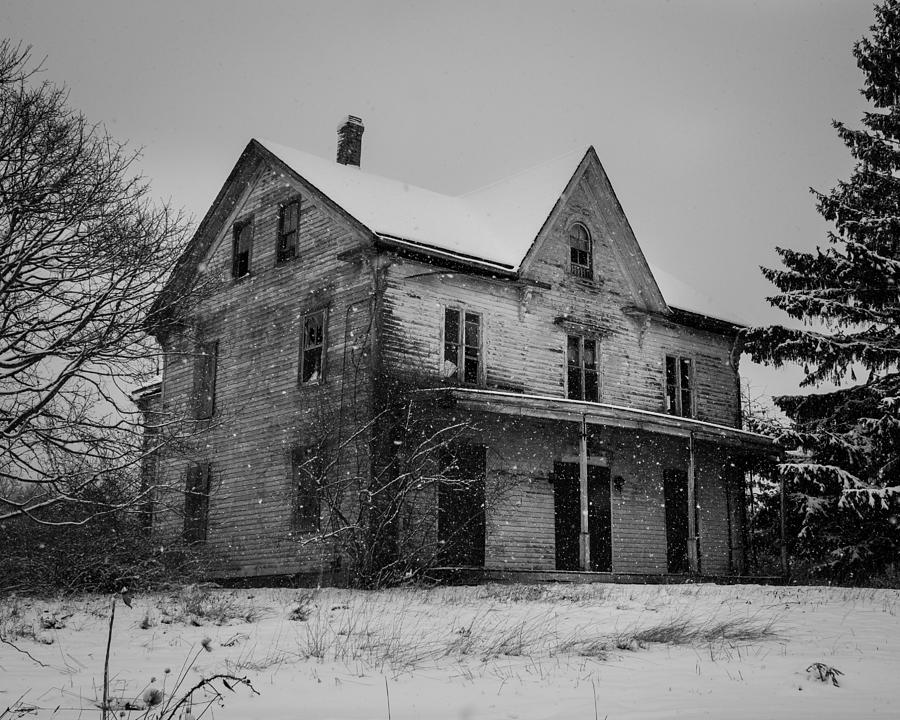 Snow Photograph - Abandoned House by Kirkodd Photography Of New England