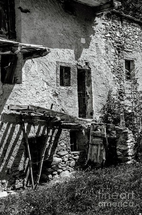 Abandoned Photograph - Abandoned Ix by Diego Muzzini